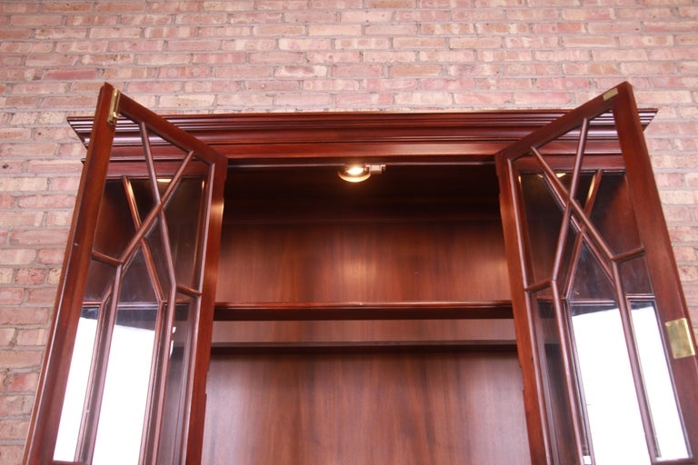 Henkel Harris Georgian Mahogany Breakfront Bookcase Cabinet For Sale 8