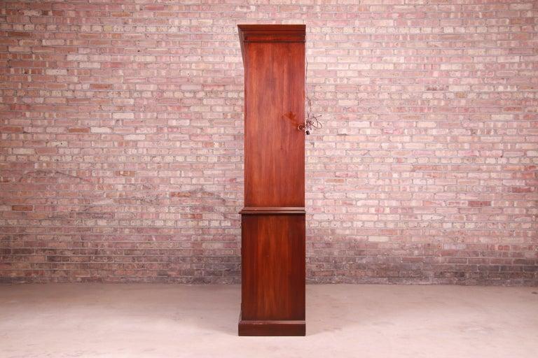 Henkel Harris Georgian Mahogany Breakfront Bookcase Cabinet For Sale 9