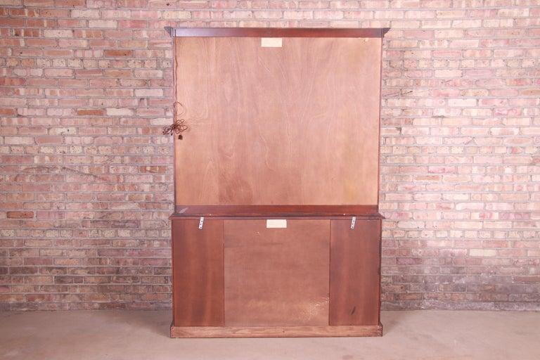 Henkel Harris Georgian Mahogany Breakfront Bookcase Cabinet For Sale 11