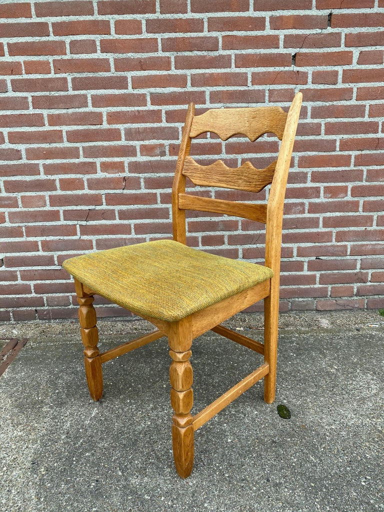 Henning Kjaernulf, Set of Six 'Razorblade' Danish Dining Room Chairs In Good Condition For Sale In Schagen, NL