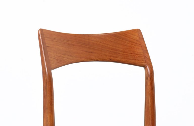 Henning Kjærnulf Teak & Leather Dining Chairs for Vejle Møbler In Excellent Condition For Sale In Los Angeles, CA