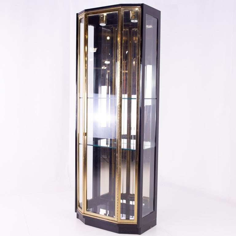 Late 20th Century Henredon Black and Brass Midcentury Display Cabinets, Pair, Mcm For Sale