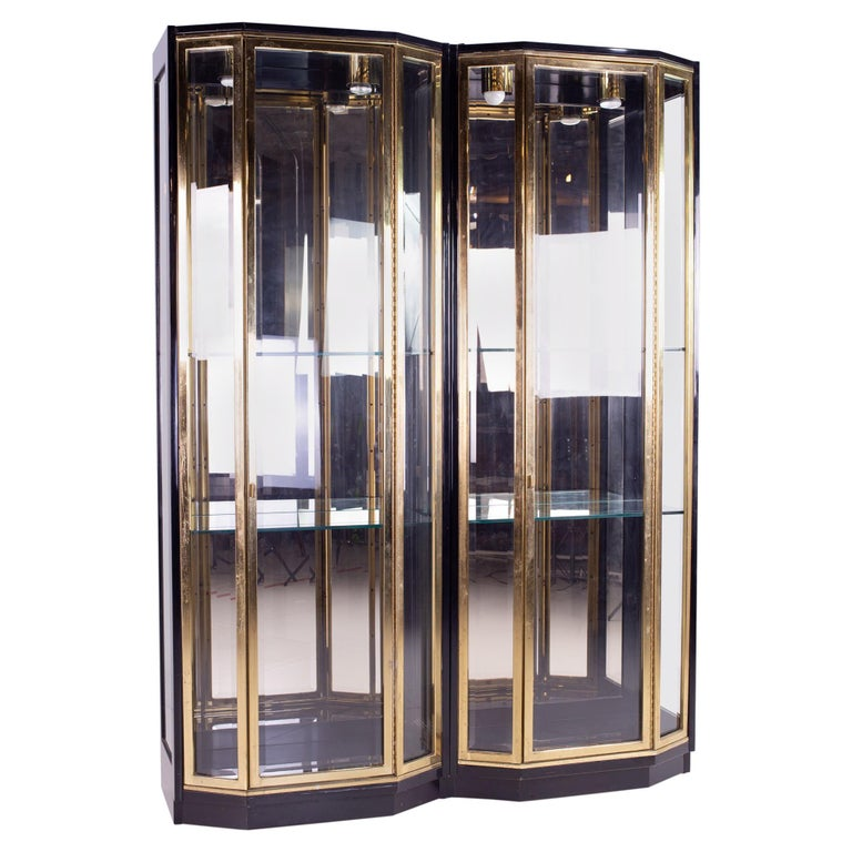Henredon Black and Brass Midcentury Display Cabinets, Pair, Mcm For Sale