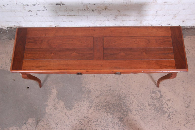 Henredon French Country Louis XV Style Console Table For Sale 2