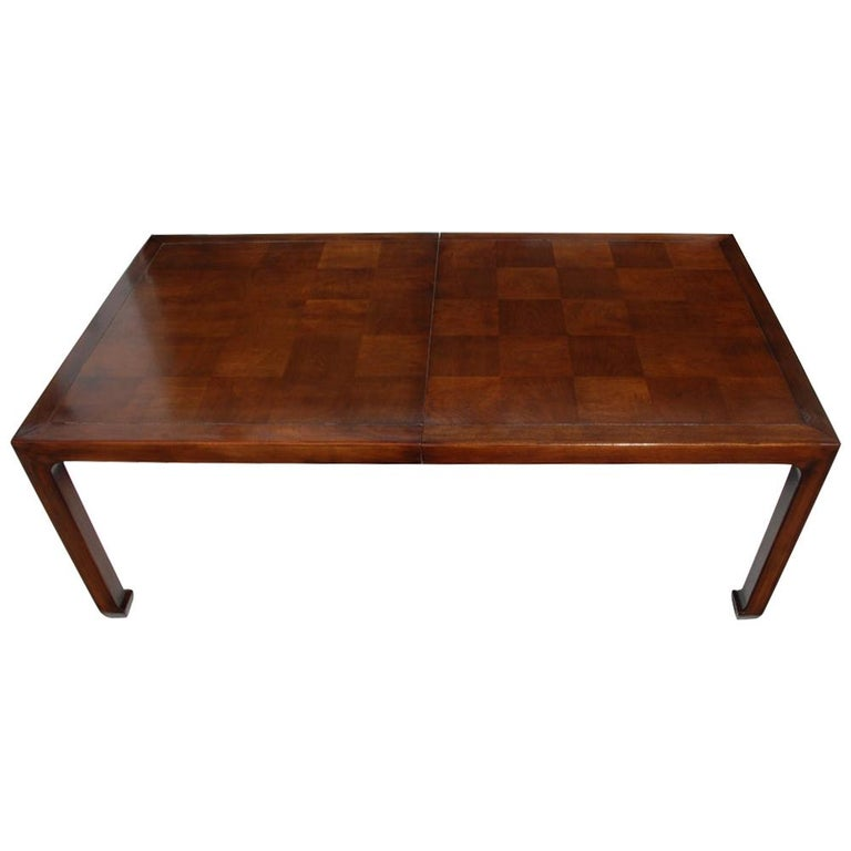 Henredon Mahogany Extendable Dining Table with Ming Legs For Sale