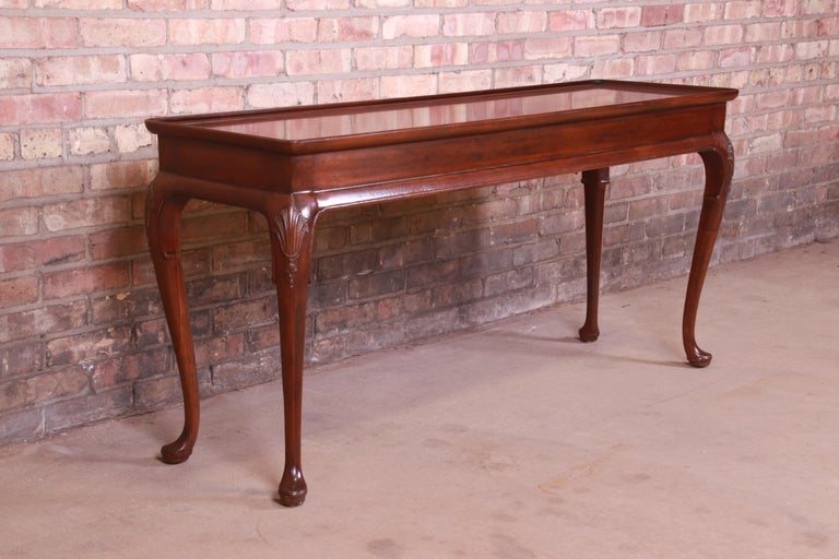 Henredon Queen Anne Mahogany Console or Sofa Table For Sale 1
