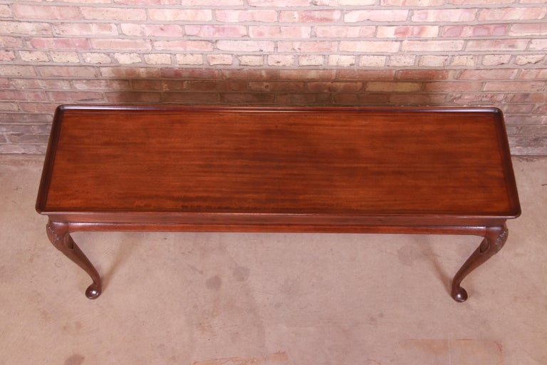 Henredon Queen Anne Mahogany Console or Sofa Table For Sale 2