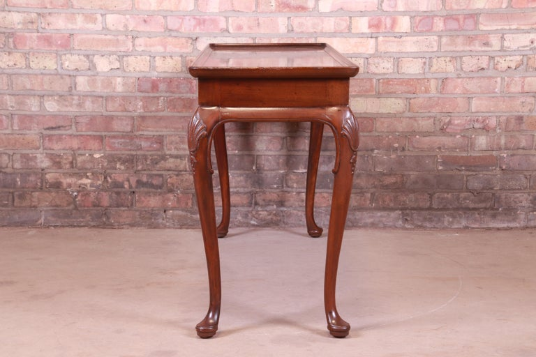 Henredon Queen Anne Mahogany Console or Sofa Table For Sale 3