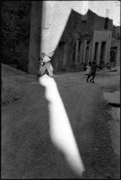 Tarascon, France, 1959 - Henri Cartier-Bresson (Black and White Photography)
