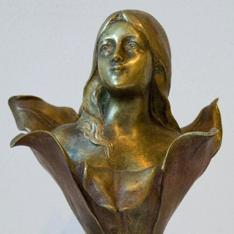 Femme Lys - Bronze Cast, Art Nouveau, Floral, Sculpture, Female Figure, Elegant For Sale 2