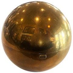 Henriette Christmas Ball Compact