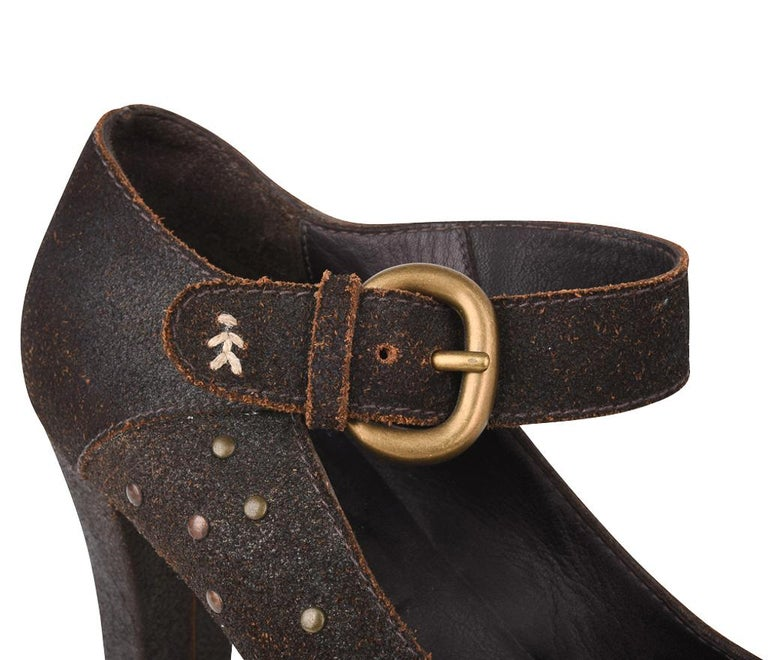 Henry Beguelin Shoe Nubuck Suede Stud Hardware 39.5 / 9.5 In Excellent Condition For Sale In Miami, FL