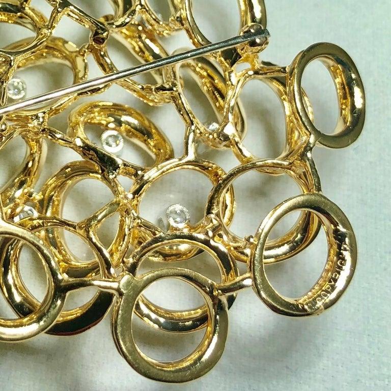 Henry Dankner and Sons Vintage 14 Karat Gold and Round Diamond Modern Brooch For Sale 2