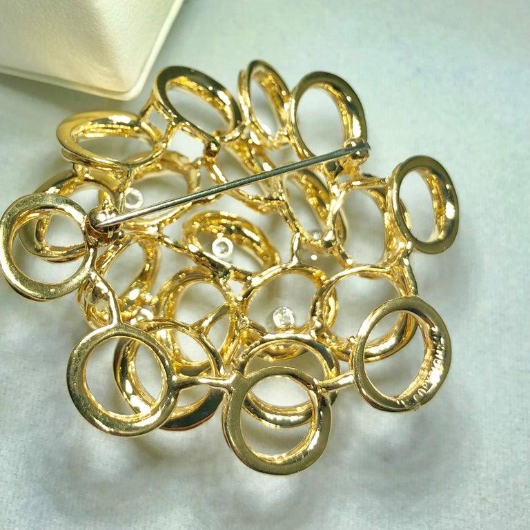 Henry Dankner and Sons Vintage 14 Karat Gold and Round Diamond Modern Brooch For Sale 4