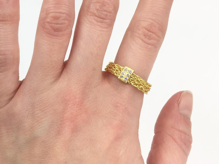 Henry Dunay 18 Karat Woven Ring with .10 Carat Total Weight For Sale 4