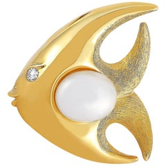 Henry Dunay 18 Karat Yellow Gold Diamond and Pearl Fish Brooch