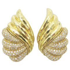 Henry Dunay 18 Karat Yellow Gold Diamond Earrings
