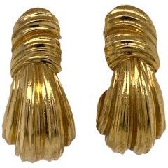 Henry Dunay 18 Karat Yellow Gold J Hoop Ribbed Vintage Estate Earrings