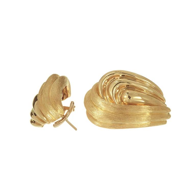 Henry Dunay 18 Karat Yellow Lever Post Gold Swirl Earrings For Sale 1