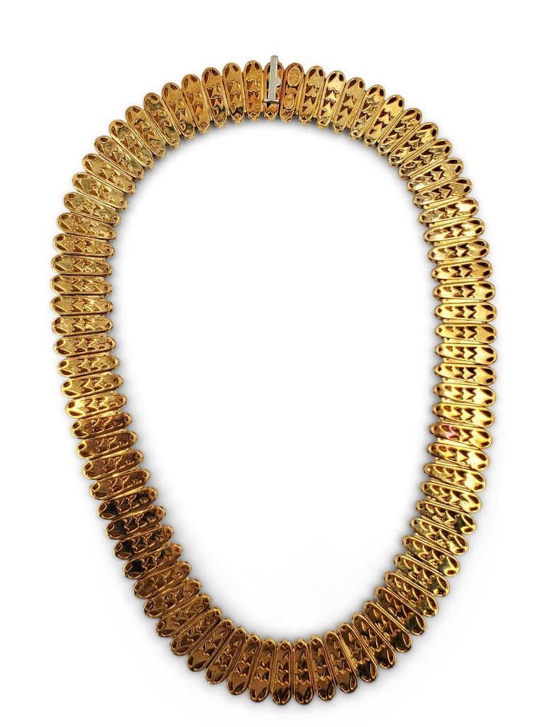 Henry Dunay Hammered Gold Necklace In Excellent Condition For Sale In New York, NY