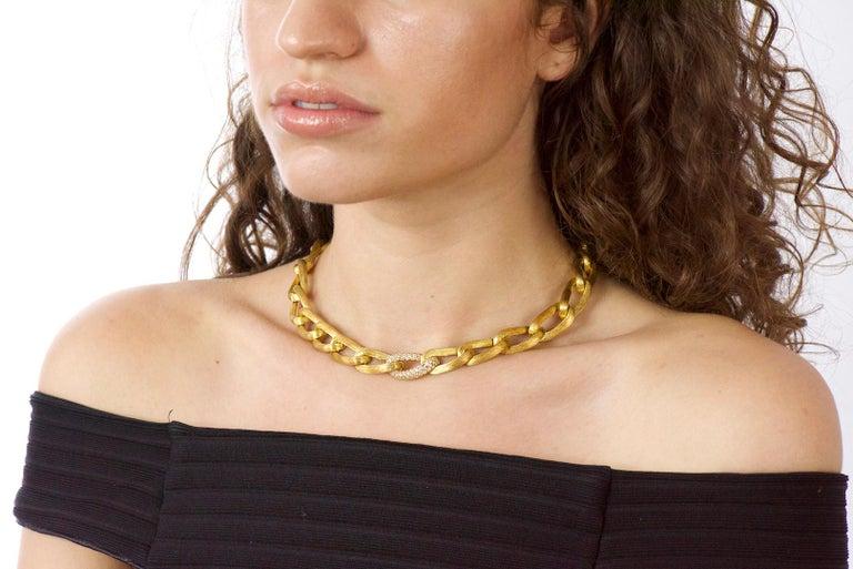 Henry Dunay Retro 2.15 Carat Diamond 18 Karat Brushed Gold Pavã Gabi Necklace For Sale 5