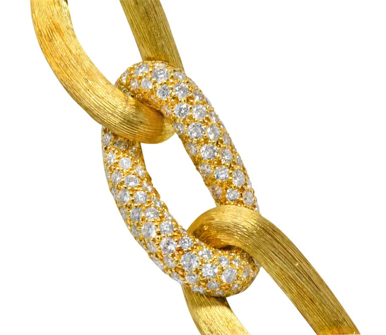 Henry Dunay Retro 2.15 Carat Diamond 18 Karat Brushed Gold Pavã Gabi Necklace In Excellent Condition For Sale In Philadelphia, PA