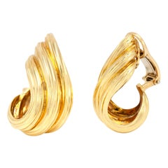 Henry Dunay Shrimp 18 Karat Yellow Gold Clip-On Earrings