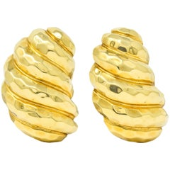 Henry Dunay Vintage 18 Karat Yellow Gold Hammered Ear-Clip Earrings, circa 1980