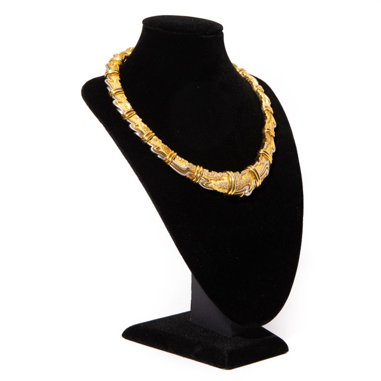 Henry Dunay, Yellow Gold, Platinum and Diamond Collar Necklace In Excellent Condition For Sale In Hudson, NY
