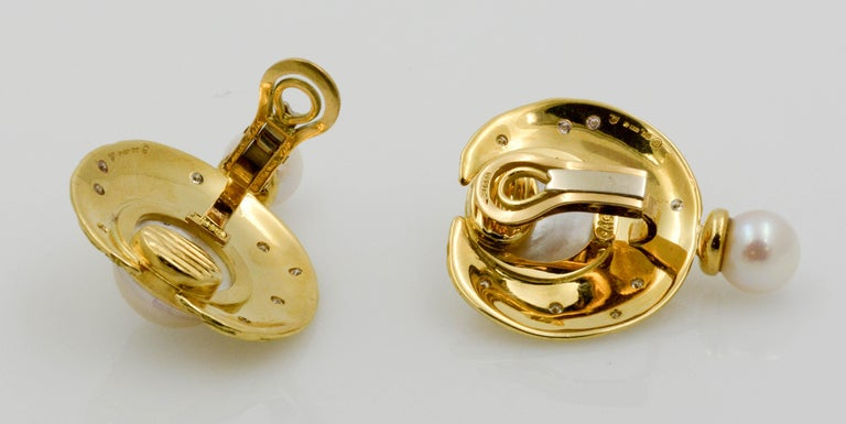 Women's Henry Dunay Yellow Gold Swirl Style Clip Earrings For Sale