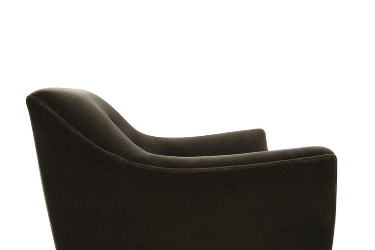 Henry Glass Lounge Chairs in Mohair For Sale 3