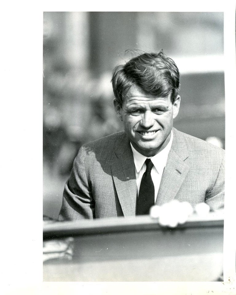 Portrait of Robert Kennedy by Grossman is a photographic print by Henry Grossman taken very likely in 1968 before Kennedy's homicide.  Print on baryta paper with stamp of the photographer and clichè applied on the back.  Excellent conditions.   Dim: