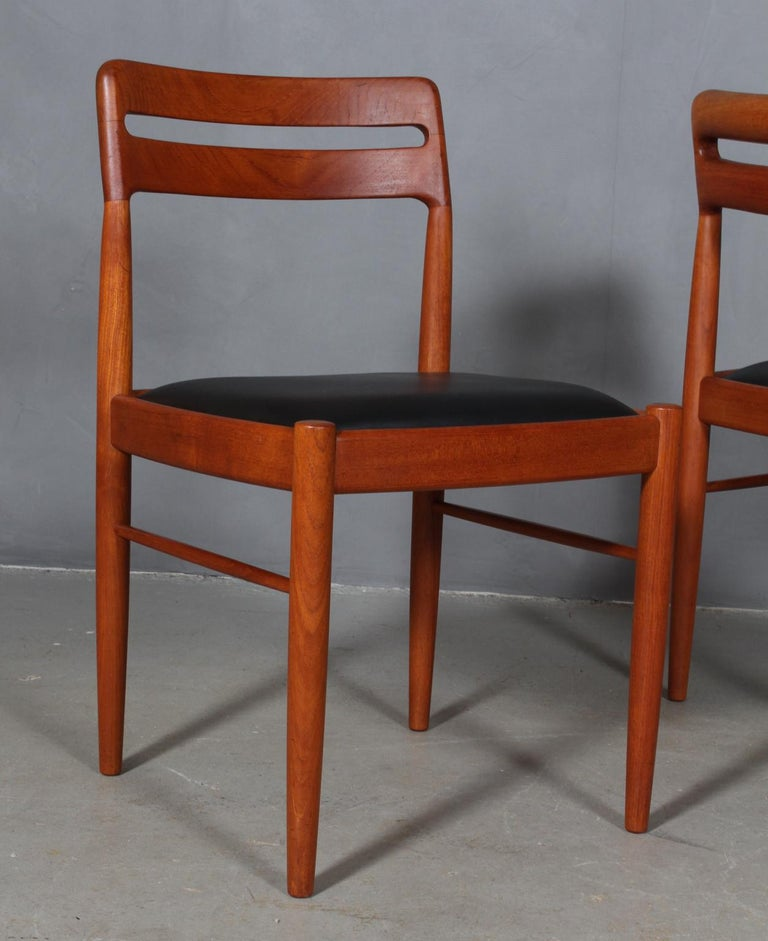 Henry Klein Four Dining Chairs In Good Condition In Esbjerg, DK