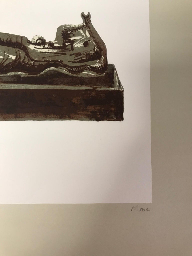 Three Reclining Figures on Pedestals - Original Lithograph by Henry Moore - 1976 For Sale 3