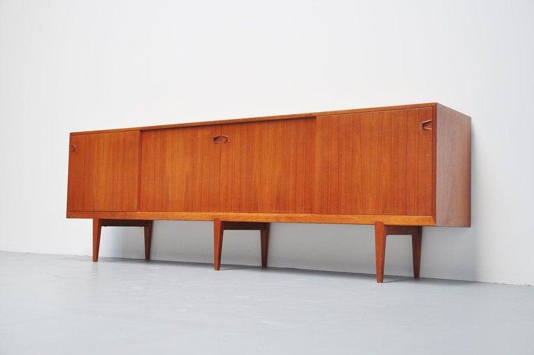 Mid-Century Modern Henry Rosengren Hansen Teak Sideboard, Denmark, 1960 For Sale