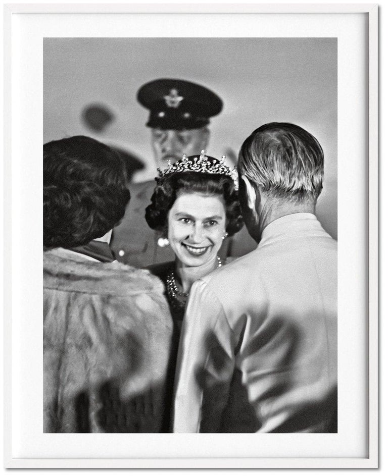 Her Majesty, Vivienne Westwood Edition No. 1-500, Harry Benson 'Royal Greeting' In New Condition For Sale In Los Angeles, CA