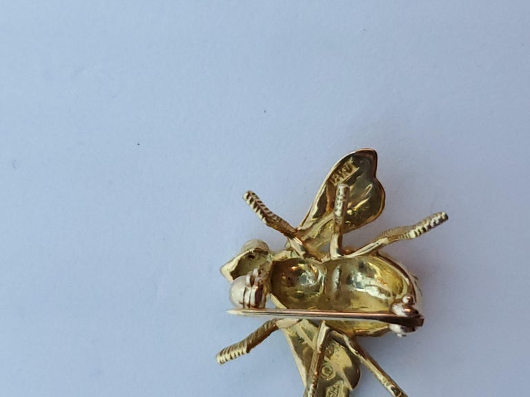 Round Cut Herbert Rosenthal Bee Pin, 18 Karat Yellow Gold with Ruby Eyes For Sale