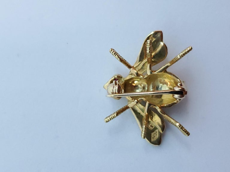 Women's or Men's Herbert Rosenthal Bee Pin, 18 Karat Yellow Gold with Ruby Eyes For Sale