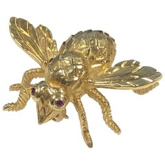 Herbert Rosenthal Large Yellow Gold Iconic Bee Brooch