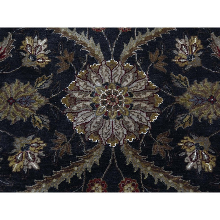 Hereke Design Wool and Silk Hand Knotted 300 Kpsi Round Oriental Rug For Sale 2