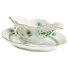 """Herend """"Chinese Bouquet Apponyi Green"""" Gravy Boat with Fixed Stand"""