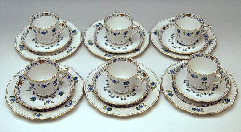 Hungarian  Herend Coffee Set of Six, Decor Lahore LHTBW Golden Painted Made, circa 1960 For Sale