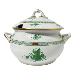 "Herend Porcelain ""Chinese Bouquet Apponyi Green"" Soup Tureen with Handles"