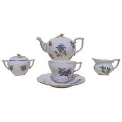 """Herend """"Victoria"""" 15 Pieces Hand Painted Porcelain Tea Service, Hungary, Modern"""