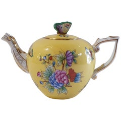 "Herend ""Victoria"" Hand Painted Yellow Teapot, Hungary, Modern"