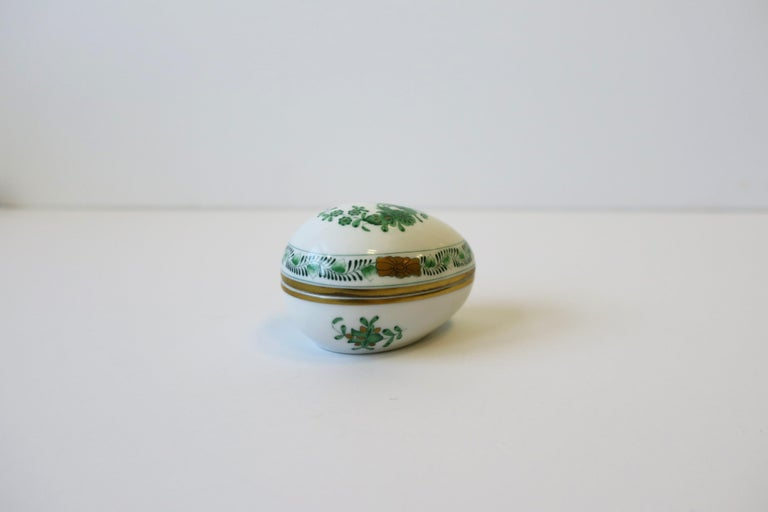 Herend White Green Gold Porcelain Egg-Shaped Jewelry Box For Sale 4