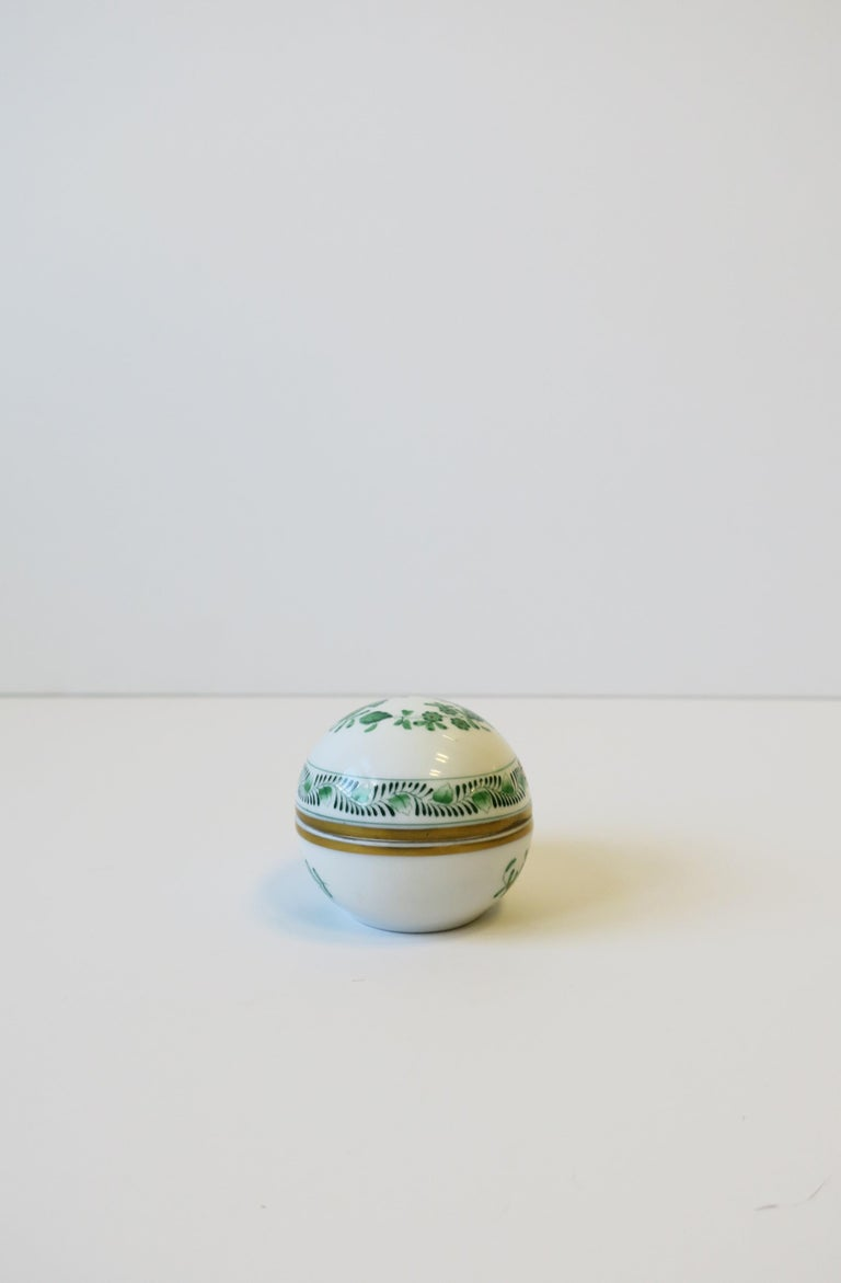 Herend White Green Gold Porcelain Egg-Shaped Jewelry Box For Sale 5