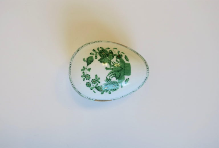 Herend White Green Gold Porcelain Egg-Shaped Jewelry Box For Sale 6