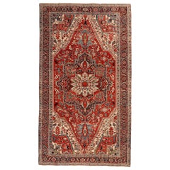 Heriz Serapi Persian Carpet circa 1900 in Pure Wool and Vegetable Dyes
