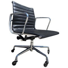 Herman Miller EA335 Eames Aluminum Group Desk Chair